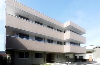 ポポラーレの施設外観